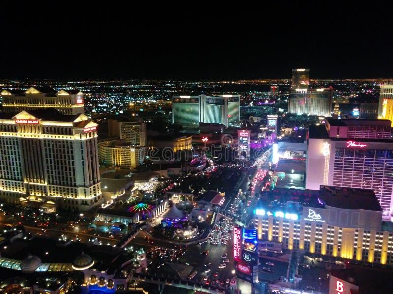 Opinión amplia de la noche de la tira de Las Vegas, luces del norte imagen de archivo