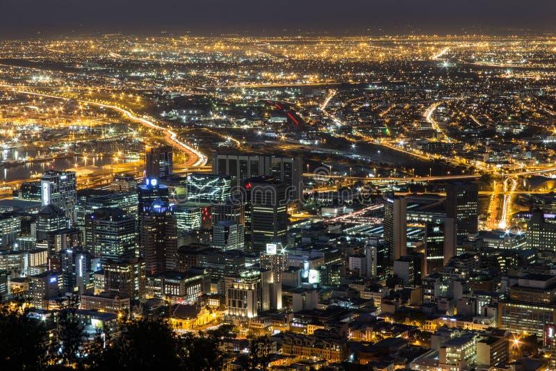 Opinión Cape Town de la ciudad de la noche fotos de archivo libres de regalías