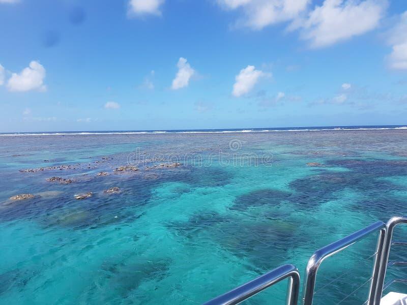 Opinión clara del agua foto de archivo libre de regalías