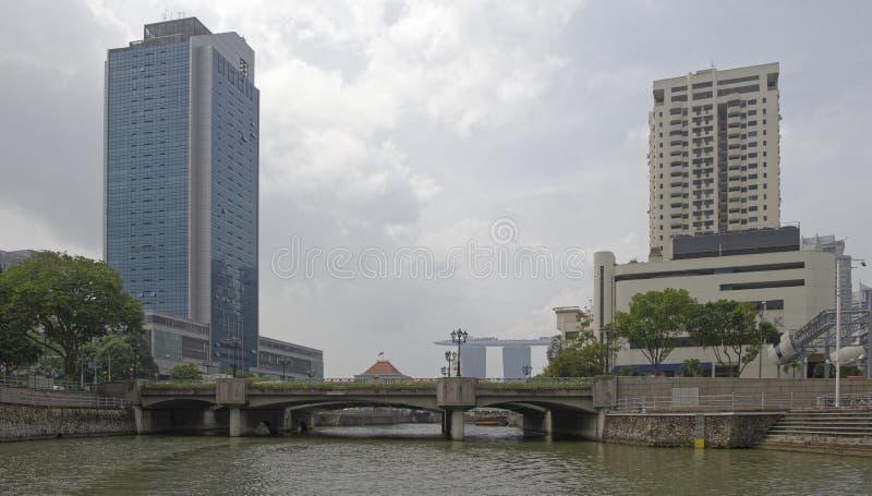 Opinión Coleman Bridge en el río de Singapur En el puente fotos de archivo libres de regalías