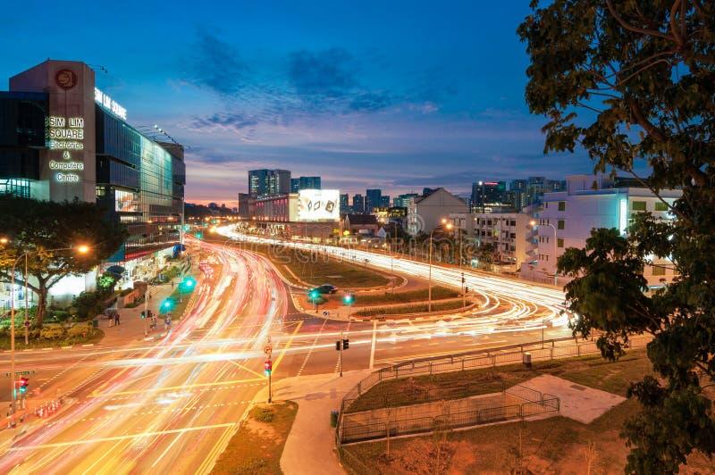 Opinión crepuscular de la ciudad en el camino del canal de Rochor imagenes de archivo