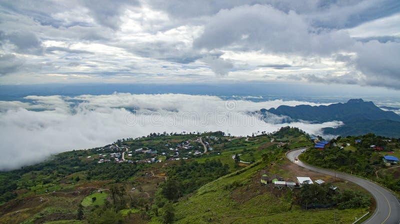 Opinión de alto ángulo del tubberk del phu la mayoría del destinatio que viaja popular fotos de archivo