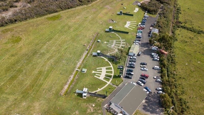 Opinión de alto ángulo Skeet Shooting Grounds fotografía de archivo