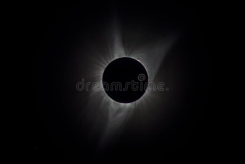 Opinión de alto contraste de la corona durante un eclipse solar total imágenes de archivo libres de regalías
