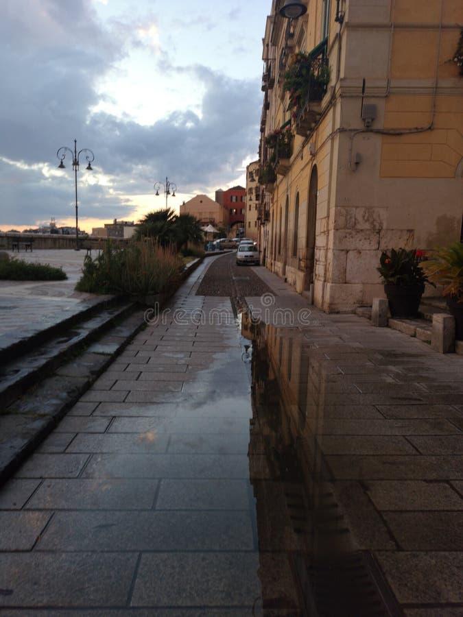 Opinión de Cagliari Cerdeña en la oscuridad con la luz corta fotografía de archivo libre de regalías