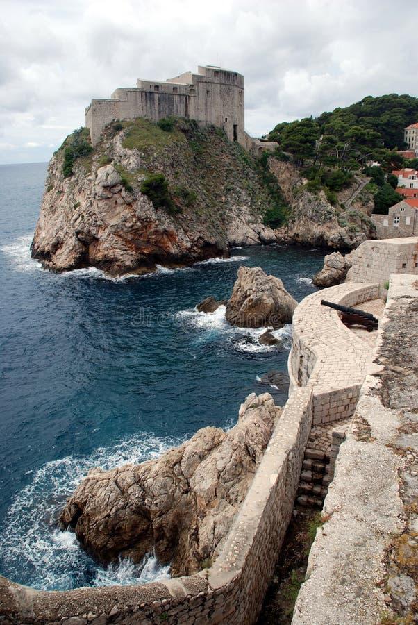 Opinión de Dubrovnik del mar imagenes de archivo