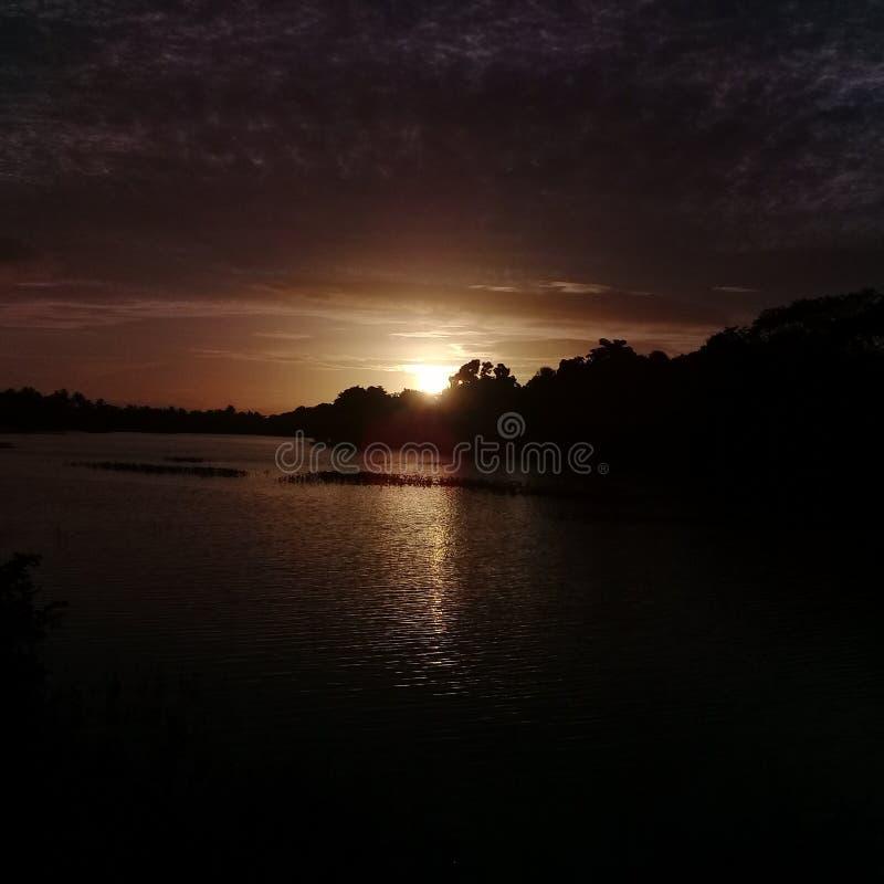 Opinión de Evining del tanque de Sri Lanka en el cielo imágenes de archivo libres de regalías