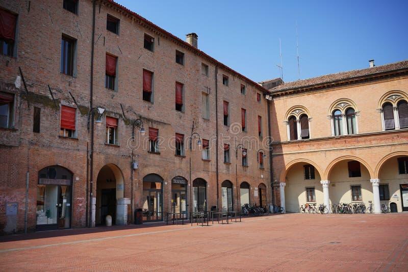 Opinión de Ferrara del patio del palacio ducal fotografía de archivo libre de regalías
