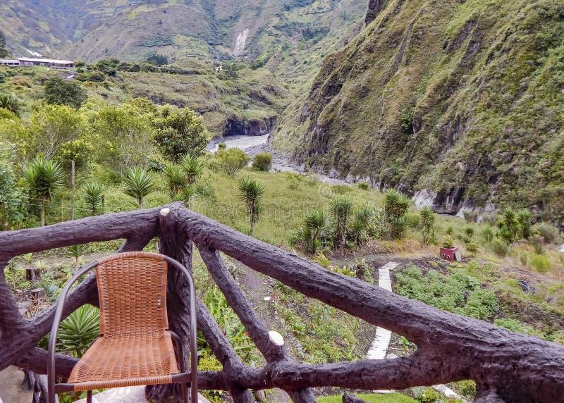 Opinión de Forest Landscape del balcón Banos Ecuador imagen de archivo libre de regalías