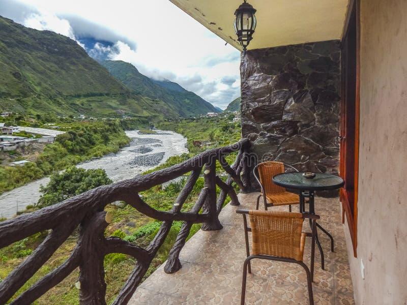 Opinión de Forest Landscape del balcón Banos Ecuador fotos de archivo libres de regalías