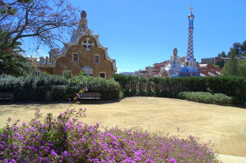 Opinión de Guell del parque, Barcelona foto de archivo