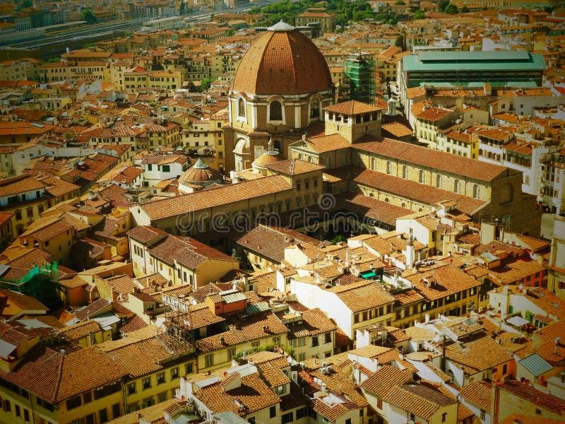 Opinión de Italia de la ciudad de Firenze agradable foto de archivo