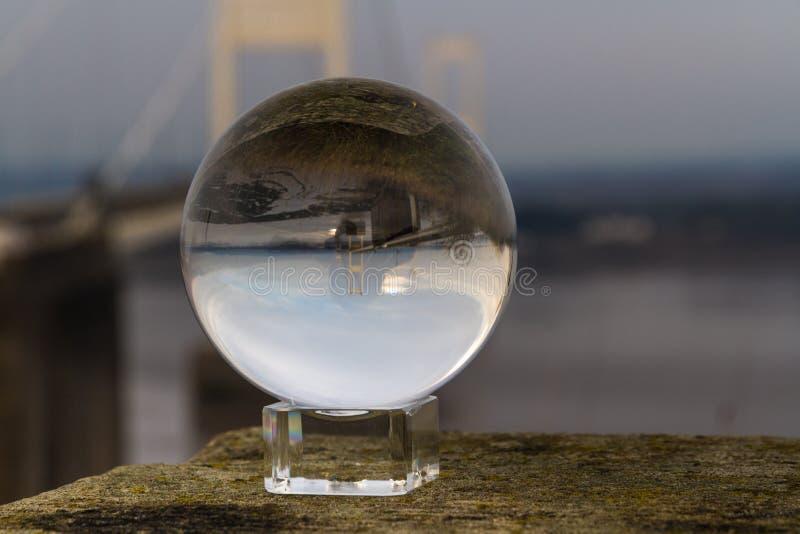 Opinión de la bola de cristal Severn Crossing Suspension Bridge original fotos de archivo libres de regalías