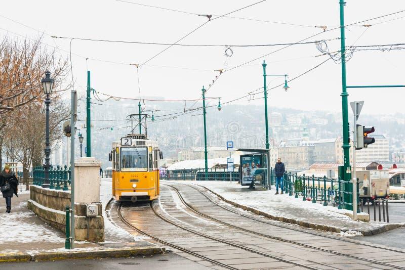 Opinión de la calle de arquitectónico histórico en Budapest, Hungría fotos de archivo