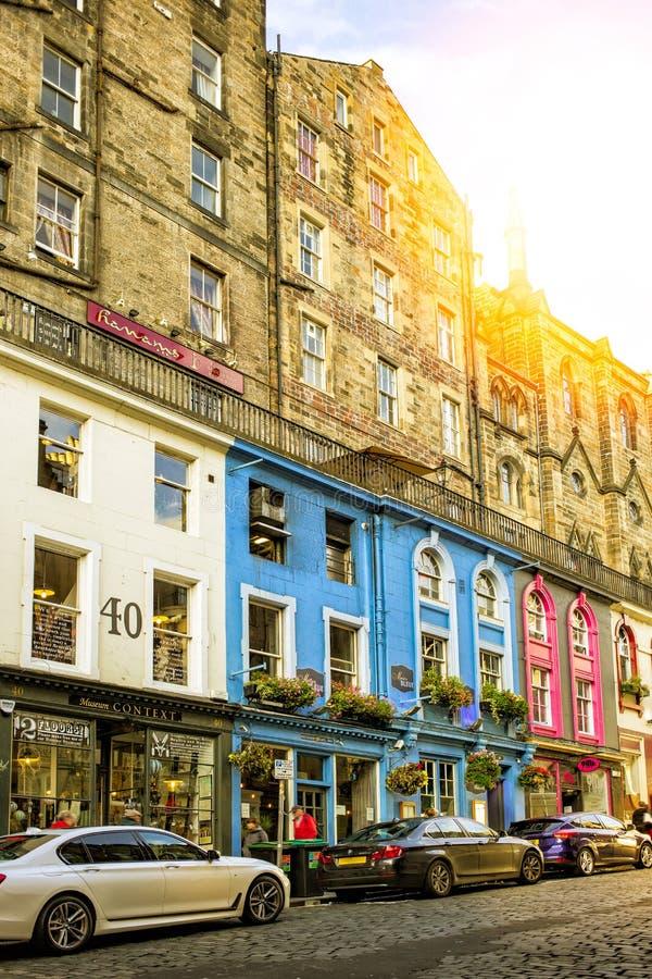 Opinión de la calle de Edimburgo fotos de archivo
