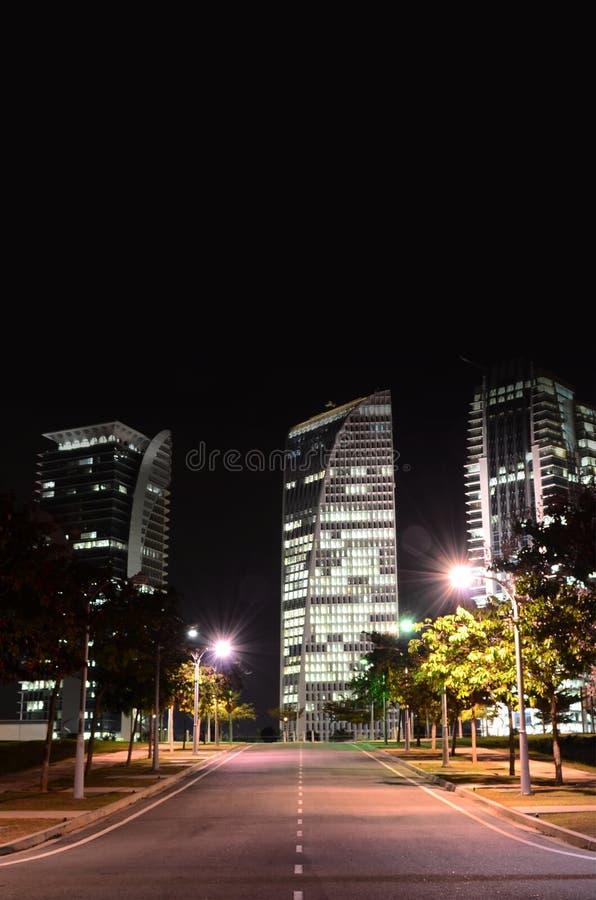 Opinión de la calle de Putrajaya en la noche foto de archivo libre de regalías