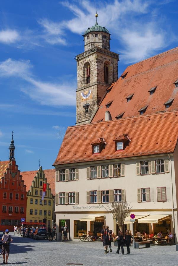 Opinión de la calle Dinkelsbuhl, una de las ciudades arquetipo en el camino romántico alemán foto de archivo libre de regalías