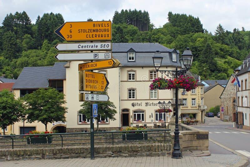 Opinión de la calle en Vianden, Luxemburgo imagen de archivo libre de regalías