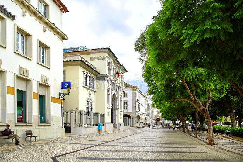 Opinión de la calle de Faro, Portugal fotos de archivo