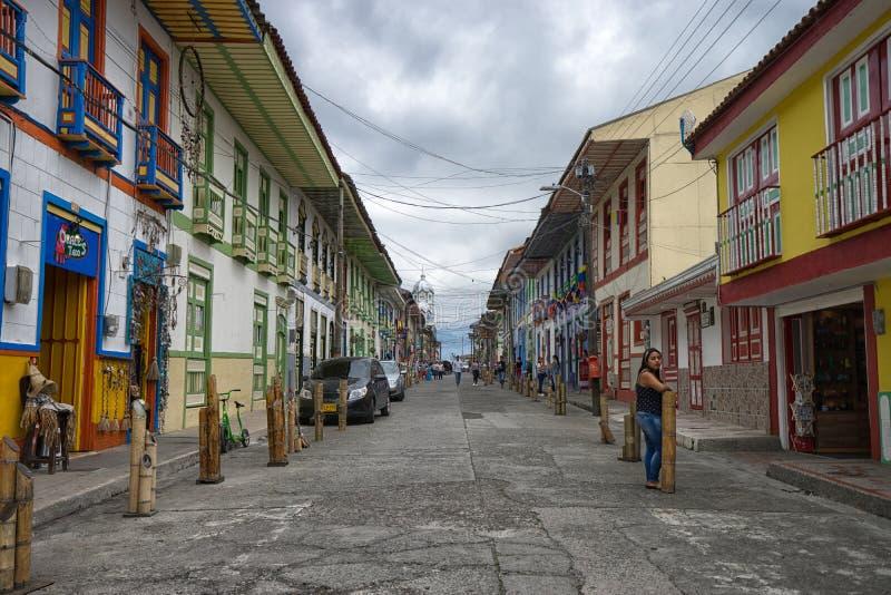 Opinión de la calle de Filandia, Colombia imagenes de archivo