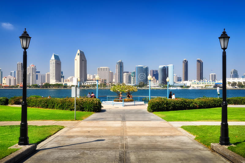 Opinión de la ciudad de San Diego del parque fotografía de archivo