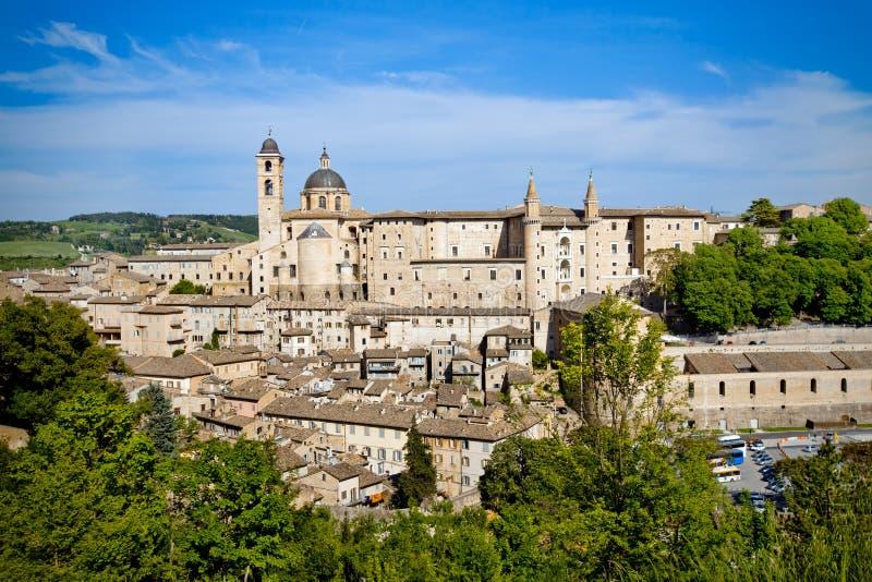 Opinión de la ciudad de Urbino, Italia fotos de archivo libres de regalías