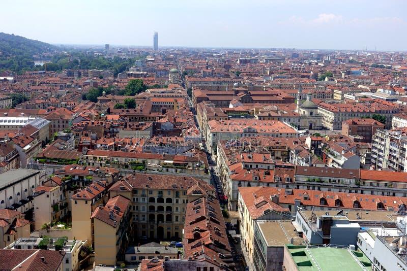 Opinión de la ciudad de Turín desde arriba imágenes de archivo libres de regalías