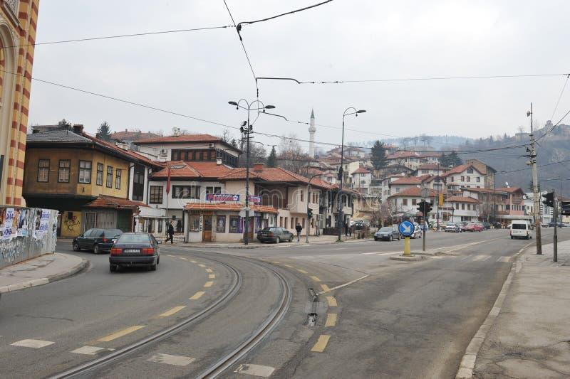 Opinión de la ciudad y del edificio después de la guerra de Bosnia en Sarajevo, Bosnia Herzigovina imagen de archivo