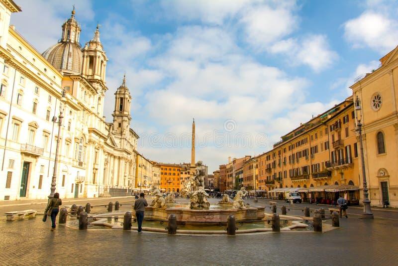 Opinión de la mañana de la plaza Navona en Roma foto de archivo libre de regalías
