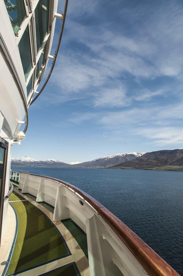 Opinión De La Nave Que Se Acerca A Akureyri Fotos de archivo