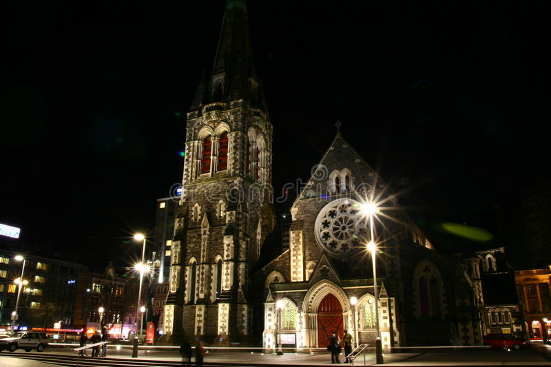 Opinión de la noche de la catedral de Christchurch fotografía de archivo