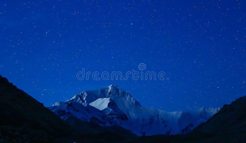 Opinión de la noche de la gama de Himalaya imagen de archivo
