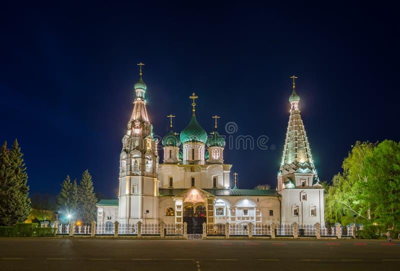 Opinión de la noche de la iglesia de Elías el profeta en Yaroslavl, Rusia foto de archivo