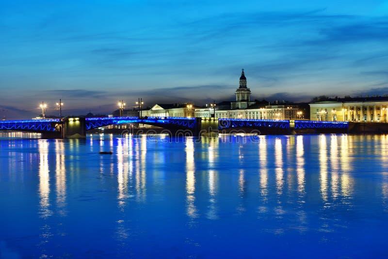 Opinión de la noche de St Petersburg, Rusia foto de archivo libre de regalías