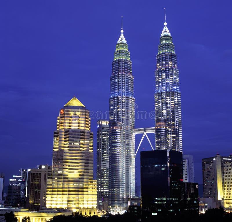 Opinión de la noche del horizonte del kilolitro, Kuala Lumpur, Malasia foto de archivo
