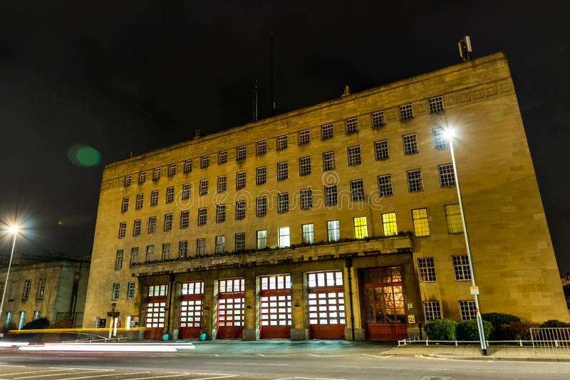 Opinión de la noche del parque de bomberos en Northampton Reino Unido imágenes de archivo libres de regalías