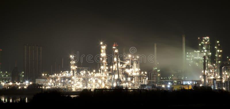 Opinión de la noche del parque industrial fotos de archivo libres de regalías