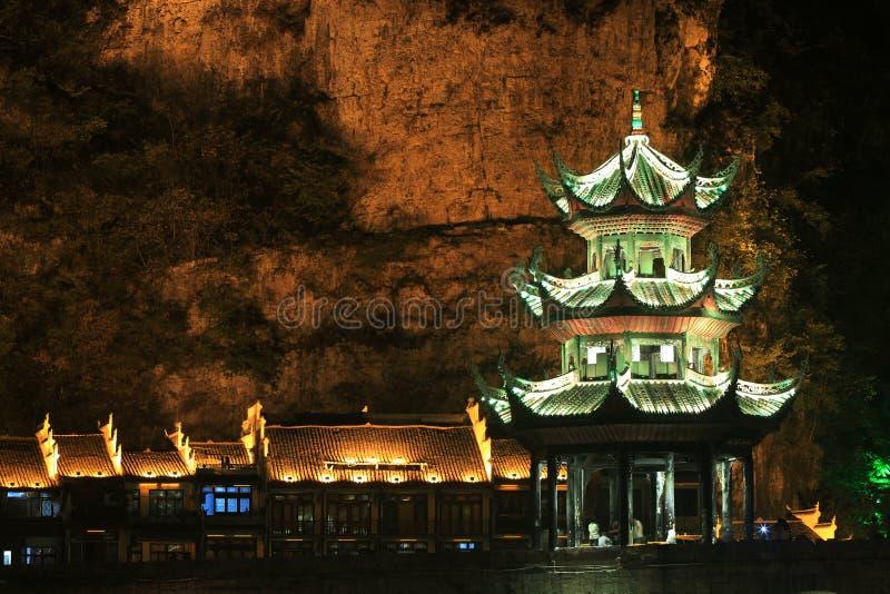 Opinión de la noche en ciudad antigua zhenyuan en China de Guizhou imagenes de archivo