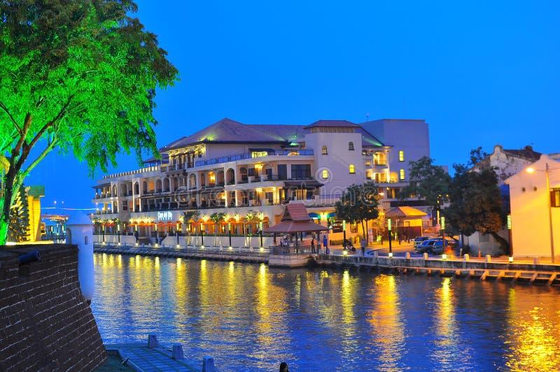 Opinión de la noche en el río de Malacca fotografía de archivo libre de regalías
