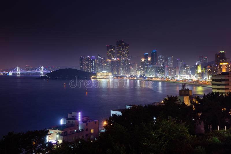 Opinión de la noche sobre Busán, Corea fotografía de archivo libre de regalías