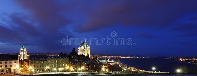 Opinión de la noche sobre la ciudad vieja de Quebec, Canadá fotos de archivo libres de regalías