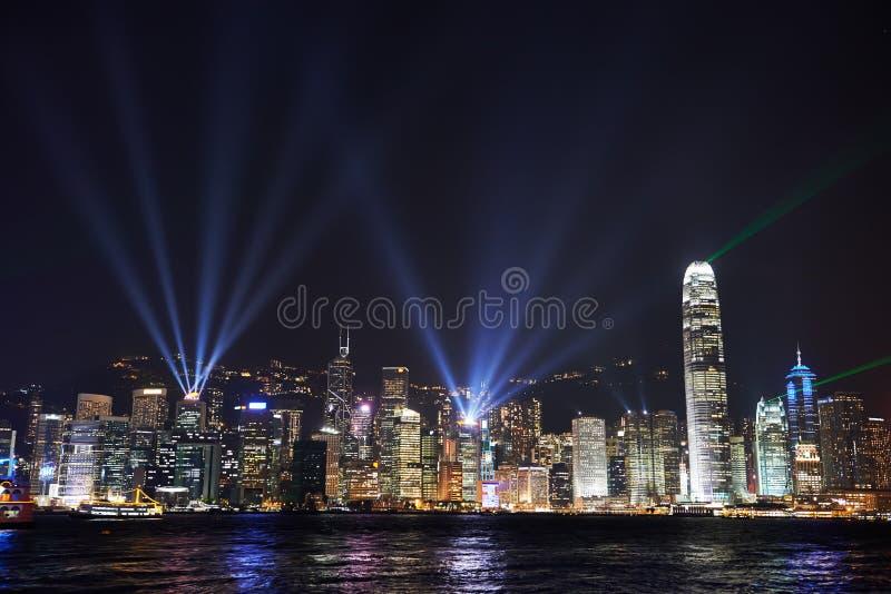 Opinión de la noche sobre la isla de Hong Kong imagenes de archivo