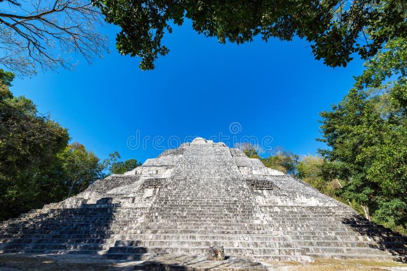 Opinión de la pirámide de Becan fotografía de archivo