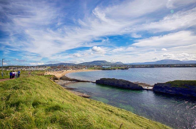 Opinión de la playa del condado Donegal de Bundoran foto de archivo