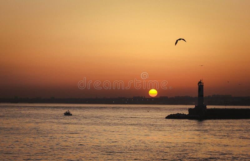 Opinión de la puesta del sol de Bosphorus Ä°stanbul foto de archivo libre de regalías