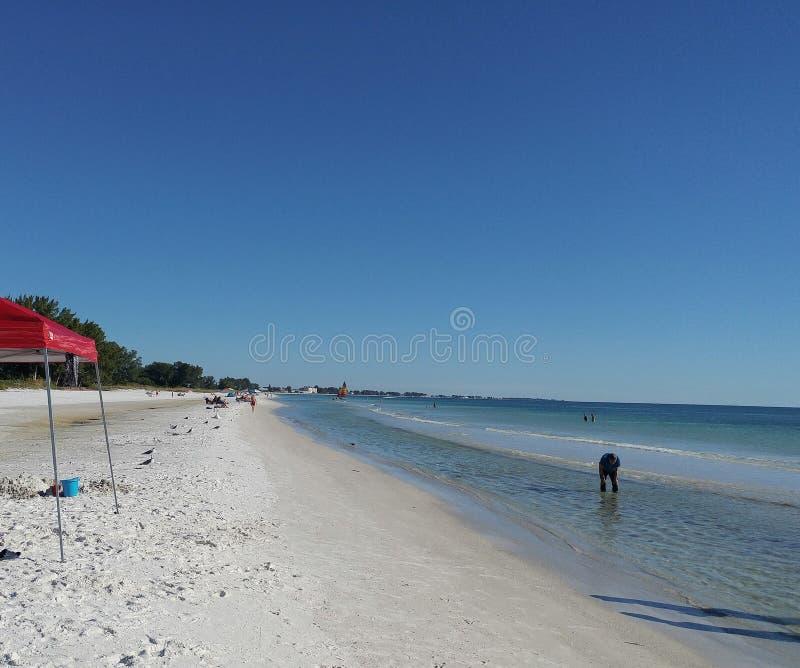 Opinión de la puesta del sol del sudoeste de la Florida, playas fotografía de archivo