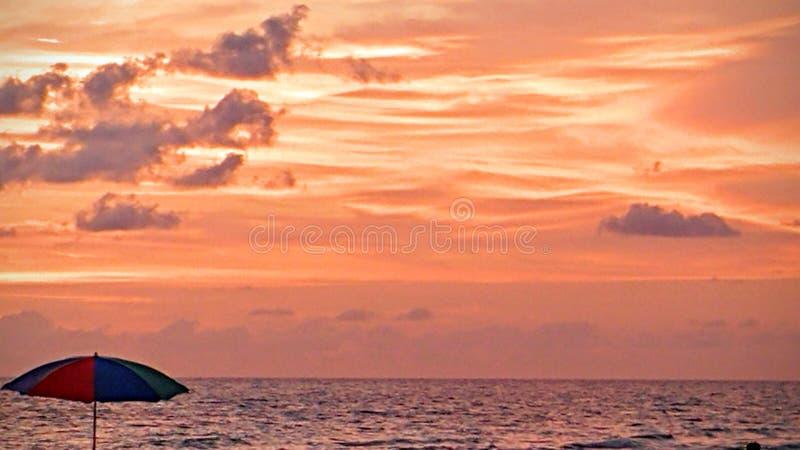 Opinión de la puesta del sol del sudoeste de la Florida, playas foto de archivo