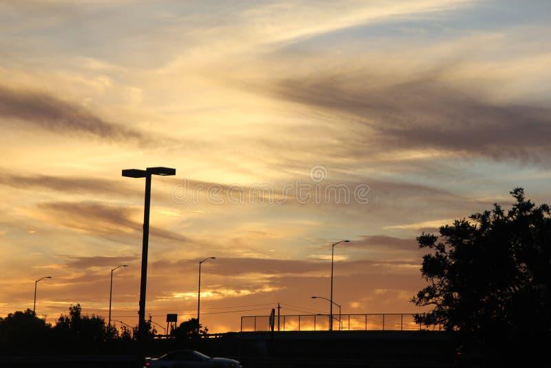 Opinión de la puesta del sol en Fremont, California, los E.E.U.U. foto de archivo libre de regalías