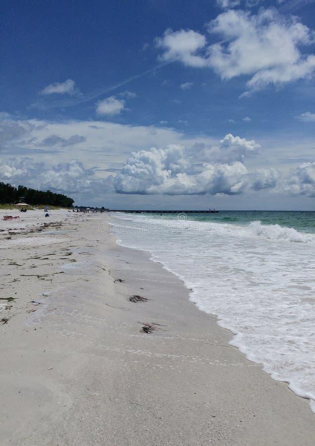 Opinión de la puesta del sol del sudoeste de la Florida, playas imagen de archivo libre de regalías