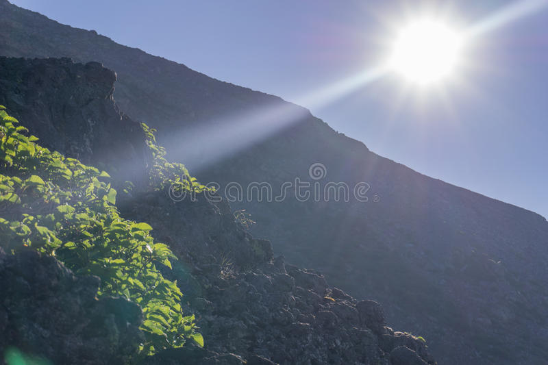 Opinión de la salida del sol de la cumbre del monte Fuji imagenes de archivo